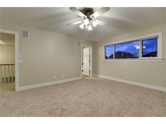 Photo 11: Photos: 124 WOODPARK Circle SW in Calgary: Woodlands House for sale : MLS®# C4047863