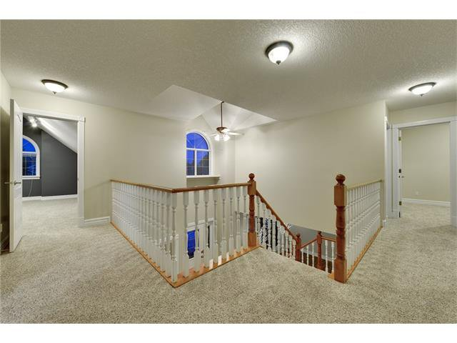 Photo 9: Photos: 124 WOODPARK Circle SW in Calgary: Woodlands House for sale : MLS®# C4047863