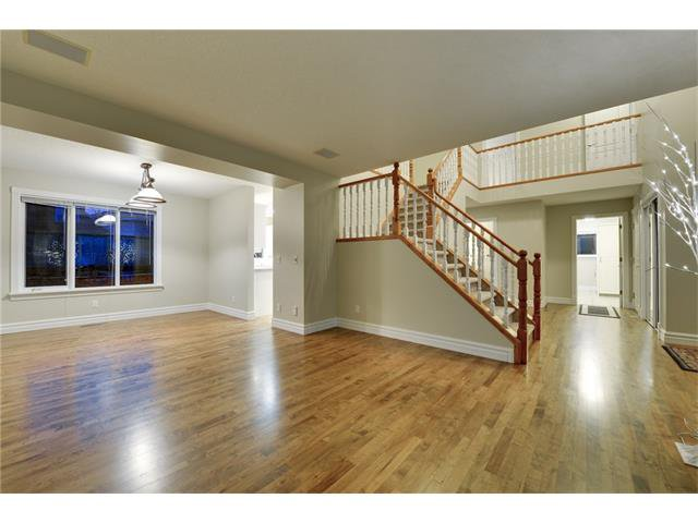 Photo 7: Photos: 124 WOODPARK Circle SW in Calgary: Woodlands House for sale : MLS®# C4047863