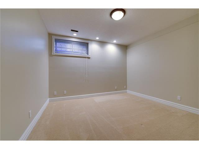 Photo 19: Photos: 124 WOODPARK Circle SW in Calgary: Woodlands House for sale : MLS®# C4047863