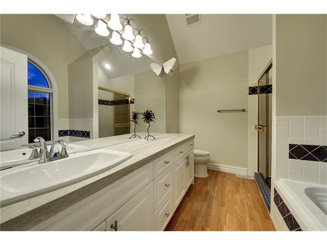 Photo 12: Photos: 124 WOODPARK Circle SW in Calgary: Woodlands House for sale : MLS®# C4047863