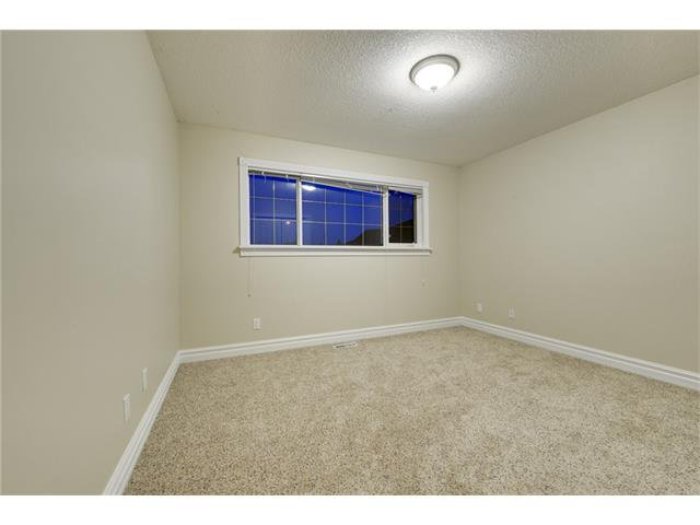 Photo 16: Photos: 124 WOODPARK Circle SW in Calgary: Woodlands House for sale : MLS®# C4047863