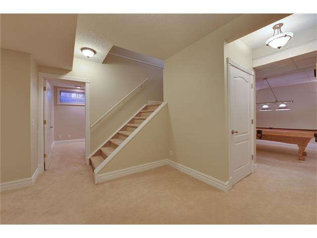 Photo 18: Photos: 124 WOODPARK Circle SW in Calgary: Woodlands House for sale : MLS®# C4047863