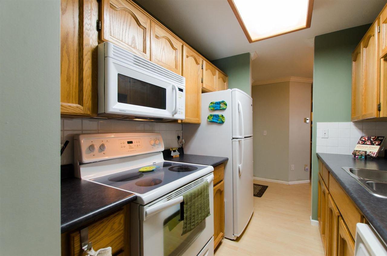 "Photo 13: Photos: 216 2239 152 Street in Surrey: Sunnyside Park Surrey Condo for sale in ""Semiahmoo Estates"" (South Surrey White Rock)  : MLS®# R2033570"
