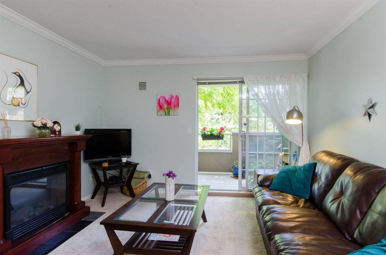 "Photo 4: Photos: 216 2239 152 Street in Surrey: Sunnyside Park Surrey Condo for sale in ""Semiahmoo Estates"" (South Surrey White Rock)  : MLS®# R2033570"