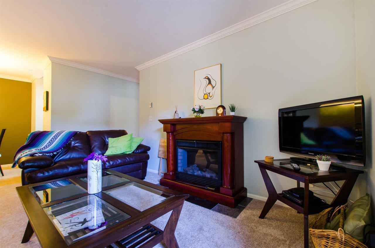 "Photo 3: Photos: 216 2239 152 Street in Surrey: Sunnyside Park Surrey Condo for sale in ""Semiahmoo Estates"" (South Surrey White Rock)  : MLS®# R2033570"