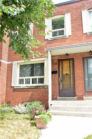 Main Photo: 1193 Warden Avenue in Toronto: Wexford-Maryvale Condo for sale (Toronto E04)  : MLS®# E3581271