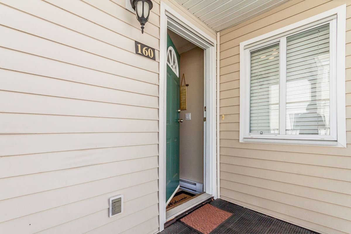 """Main Photo: 160 10077 156 Street in Surrey: Guildford Townhouse for sale in """"Guildford Park Estates"""" (North Surrey)  : MLS®# R2103195"""
