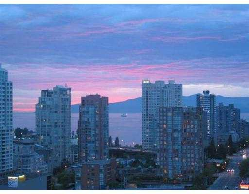 """Photo 2: Photos: 501 PACIFIC Street in Vancouver: Downtown VW Condo for sale in """"THE 501"""" (Vancouver West)  : MLS®# V622768"""