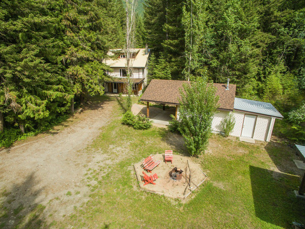 Main Photo: 3977 Myers Frontage Road: Tappen House for sale (Shuswap)  : MLS®# 10134417