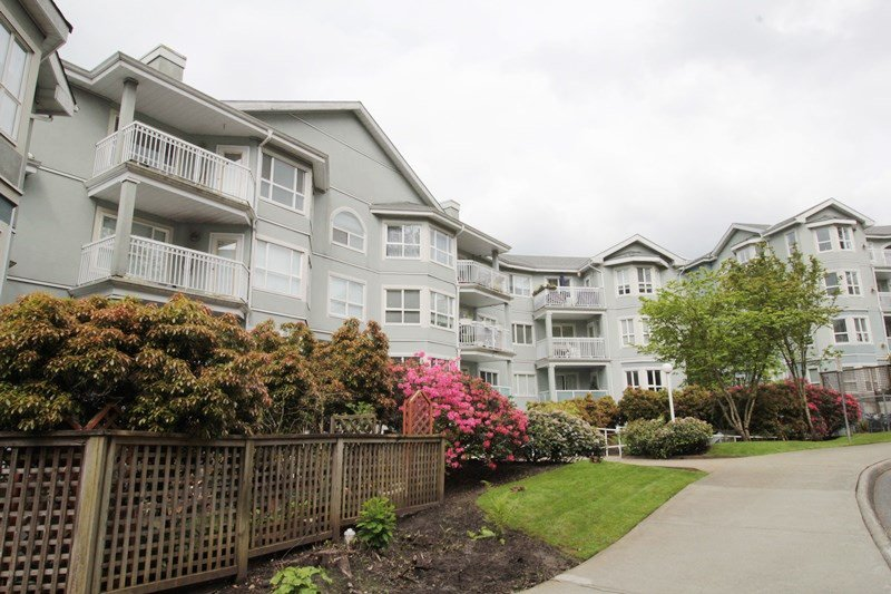 "Main Photo: 209 13939 LAUREL Drive in Surrey: Whalley Condo for sale in ""King George Manor"" (North Surrey)  : MLS®# R2168699"