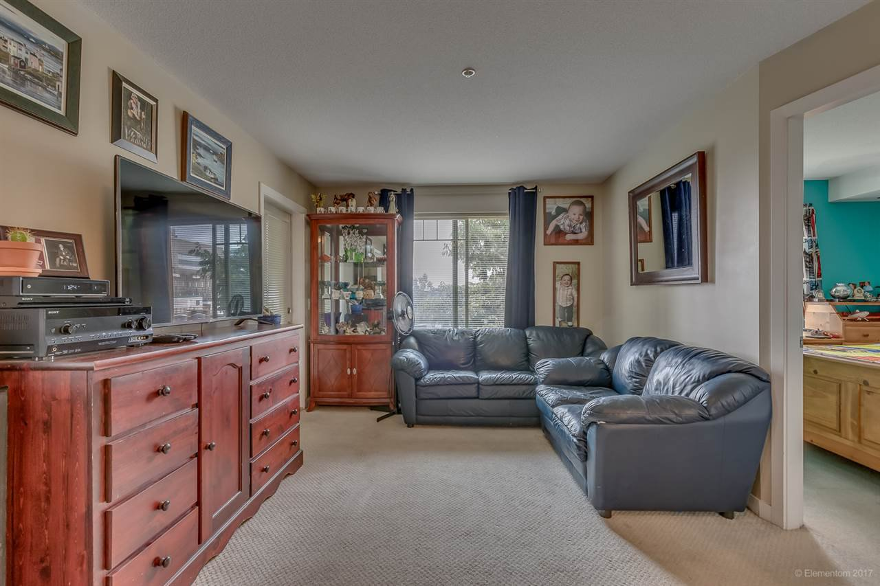 """Main Photo: 2214 244 SHERBROOKE Street in New Westminster: Sapperton Condo for sale in """"COPPERSTONE"""" : MLS®# R2195429"""