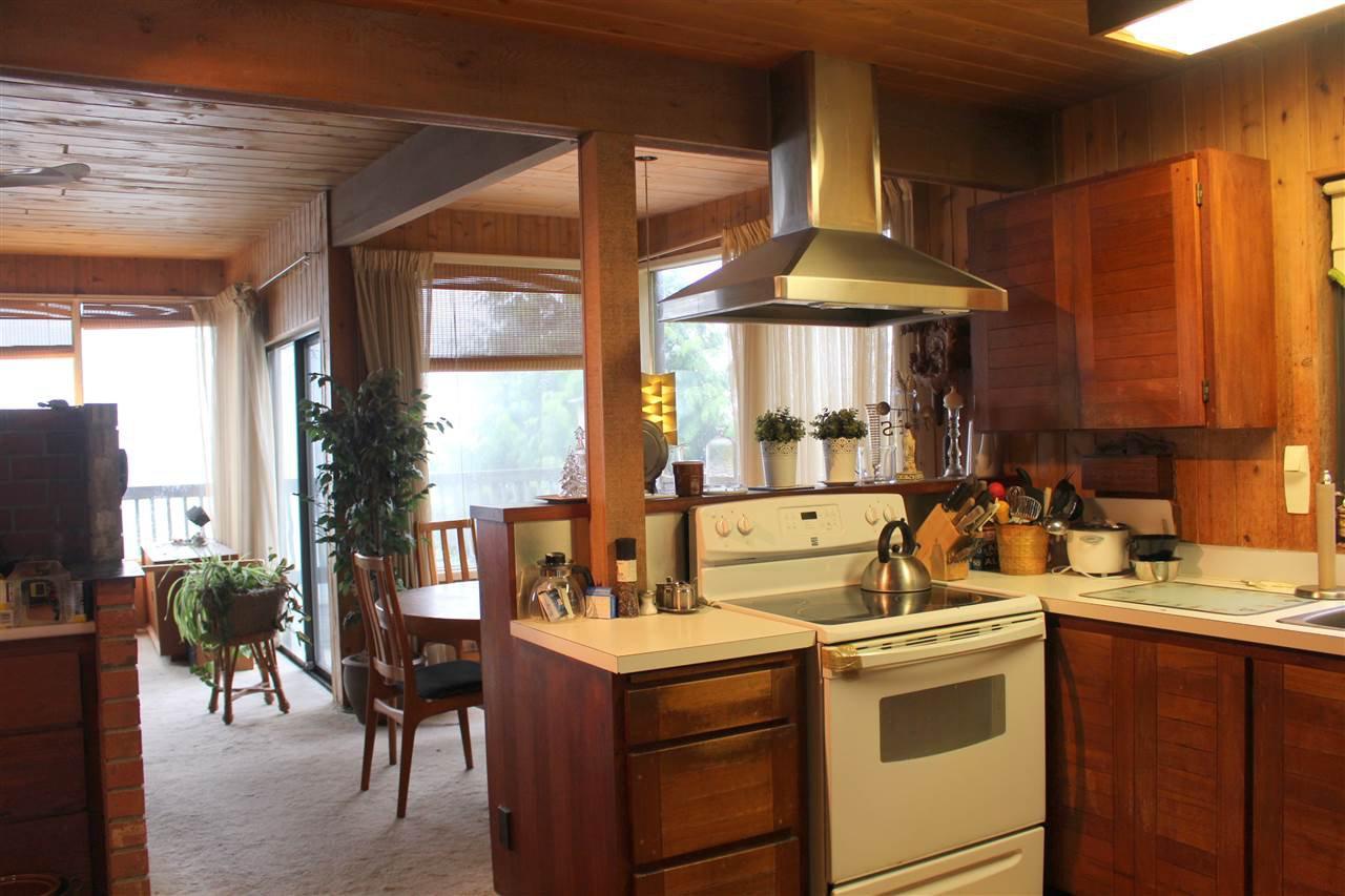 "Photo 8: Photos: 2027 CASSIDY Road: Roberts Creek House for sale in ""CLOSE TO CAMP BYNG"" (Sunshine Coast)  : MLS®# R2223864"