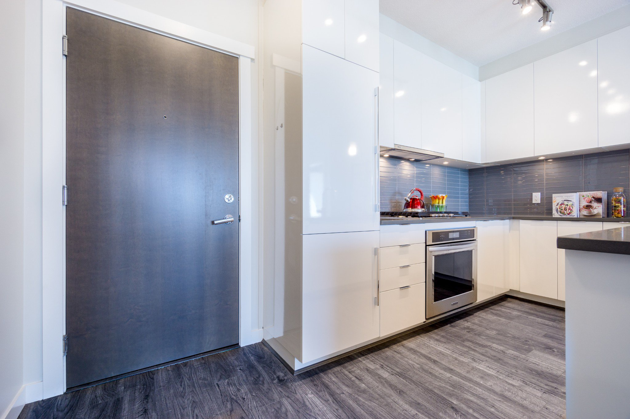"""Photo 5: Photos: 402 9311 ALEXANDRA Road in Richmond: West Cambie Condo for sale in """"ALEXANDRA COURT"""" : MLS®# R2266613"""