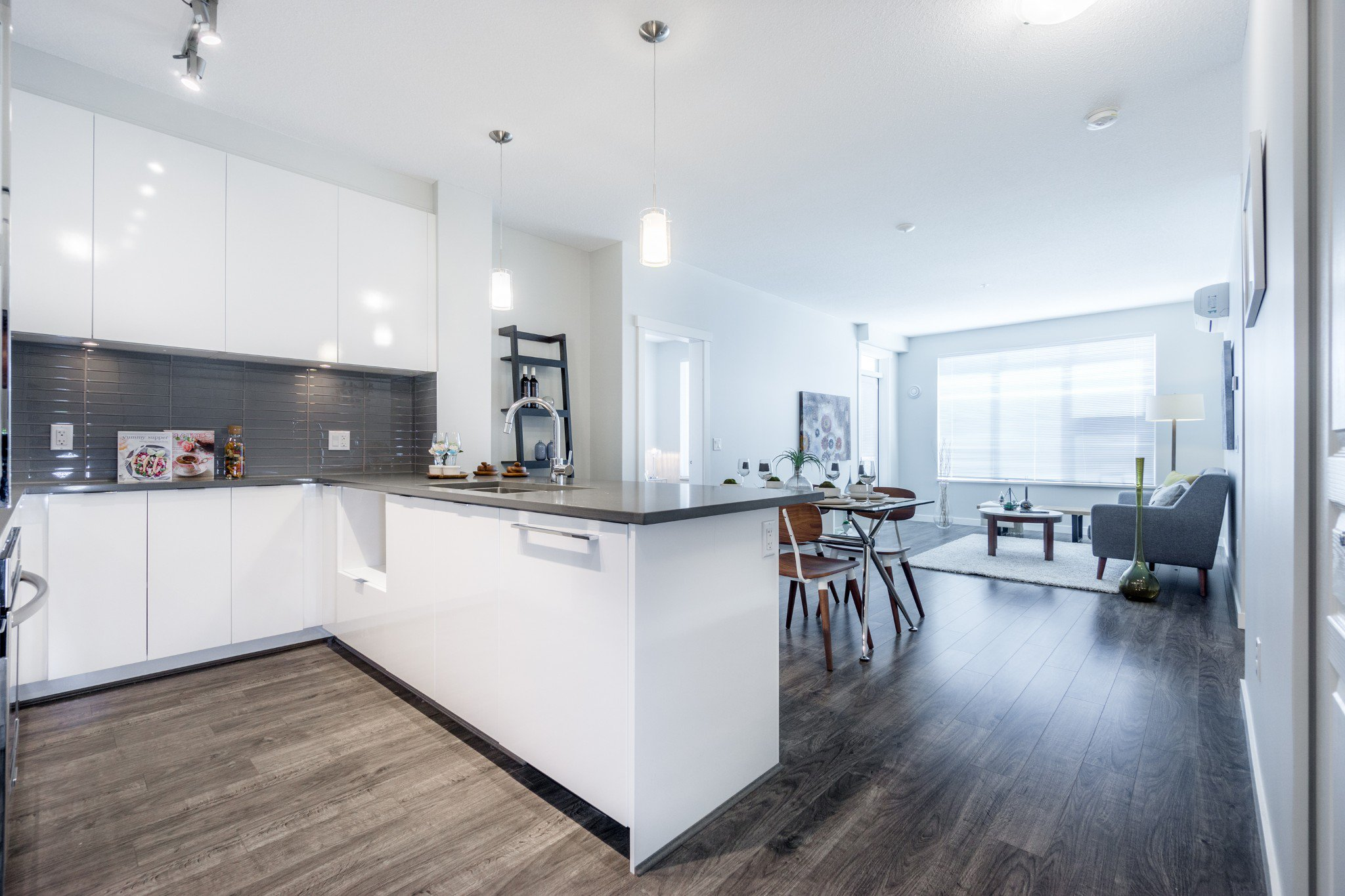 """Photo 6: Photos: 402 9311 ALEXANDRA Road in Richmond: West Cambie Condo for sale in """"ALEXANDRA COURT"""" : MLS®# R2266613"""