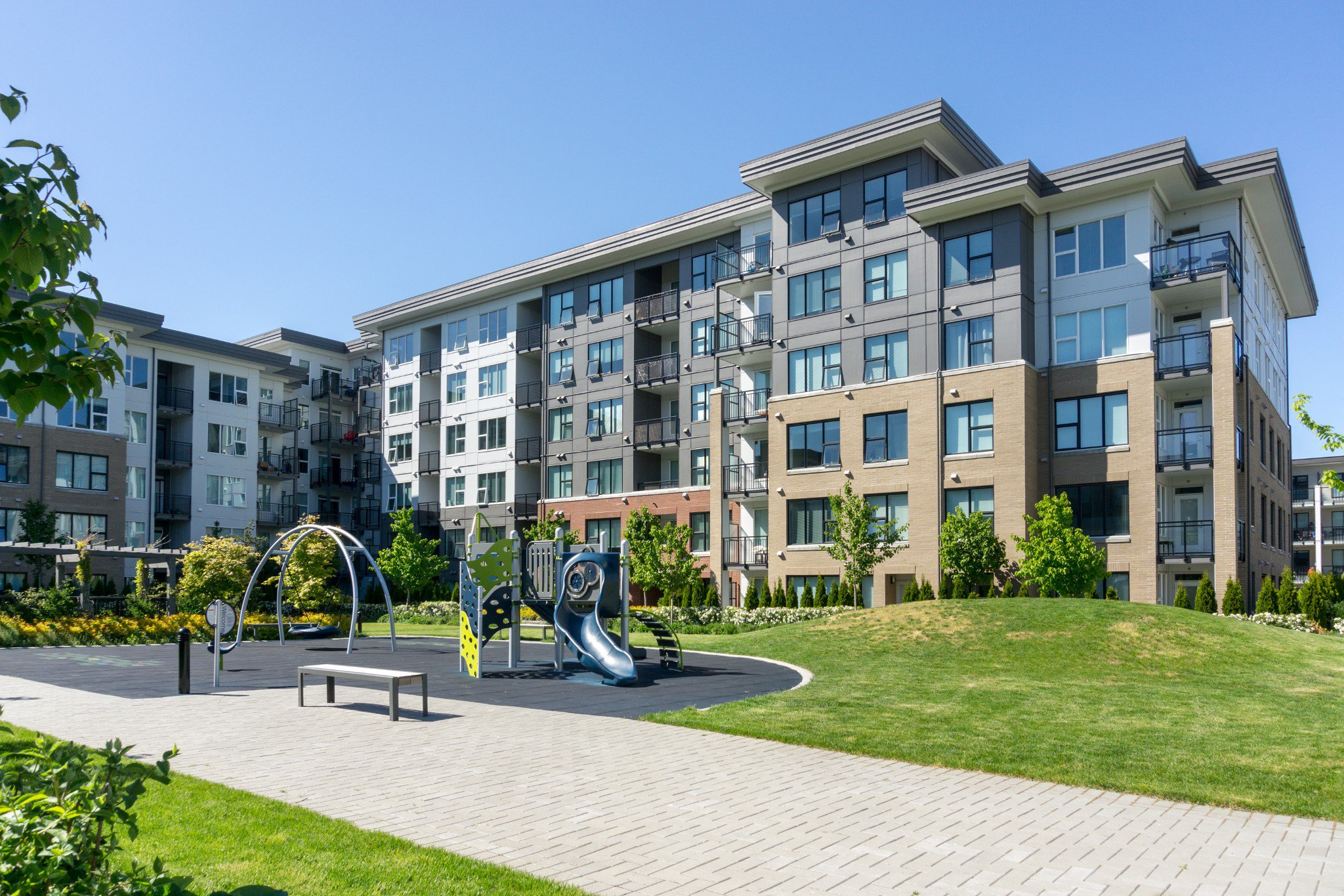 """Photo 38: Photos: 402 9311 ALEXANDRA Road in Richmond: West Cambie Condo for sale in """"ALEXANDRA COURT"""" : MLS®# R2266613"""