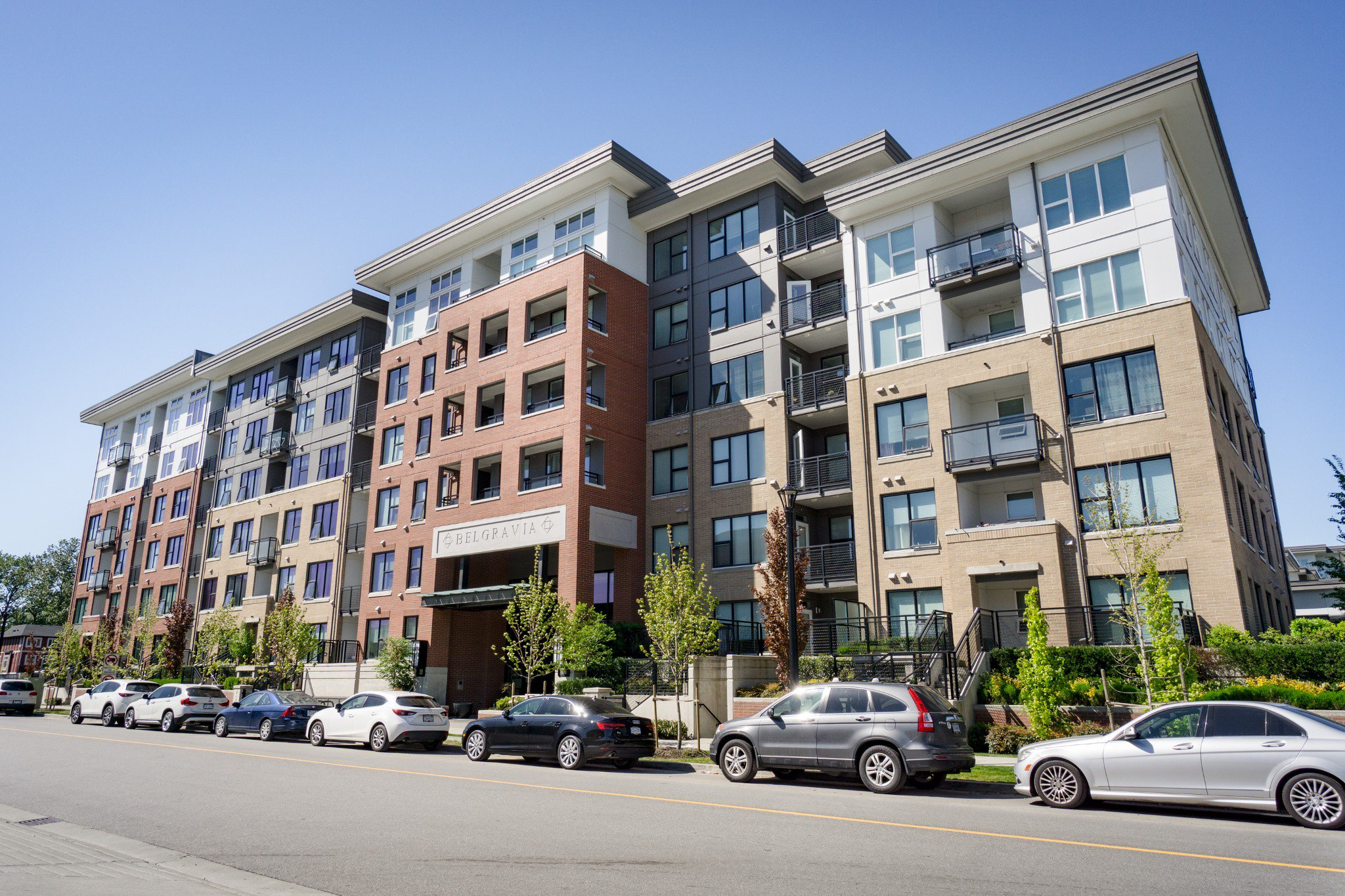 """Photo 2: Photos: 402 9311 ALEXANDRA Road in Richmond: West Cambie Condo for sale in """"ALEXANDRA COURT"""" : MLS®# R2266613"""