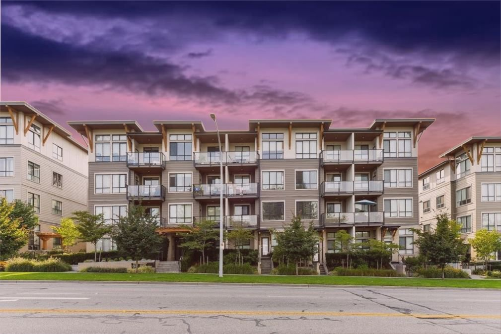 """Main Photo: 401 10477 154 Street in Surrey: Guildford Condo for sale in """"G3 RESIDENCE'S- ENCORE"""" (North Surrey)  : MLS®# R2308676"""