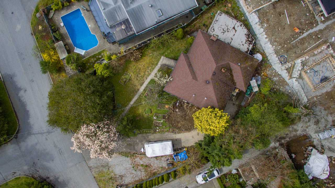"""Photo 4: Photos: 274 W ROCKLAND Road in North Vancouver: Upper Lonsdale House for sale in """"UPPER LONSDALE"""" : MLS®# R2360083"""