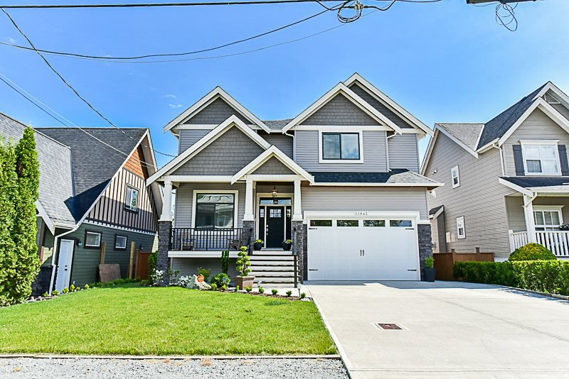 Main Photo: 33642 ST OLAF Avenue in Abbotsford: Matsqui House for sale : MLS®# R2366327