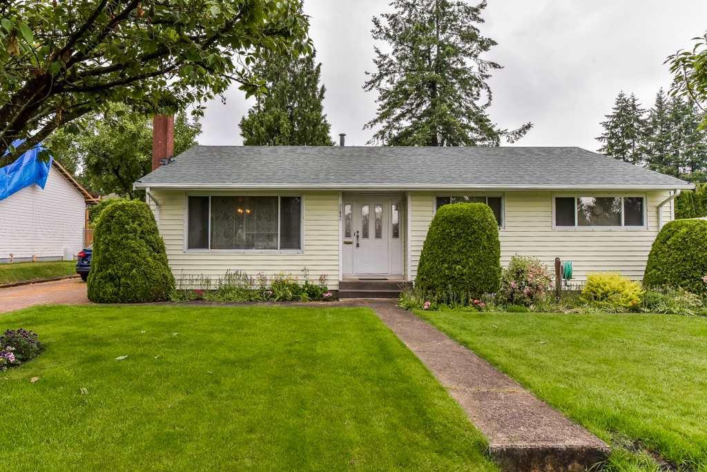 "Main Photo: 11061 WREN Crescent in Surrey: Bolivar Heights House for sale in ""birdland"" (North Surrey)  : MLS®# R2371191"