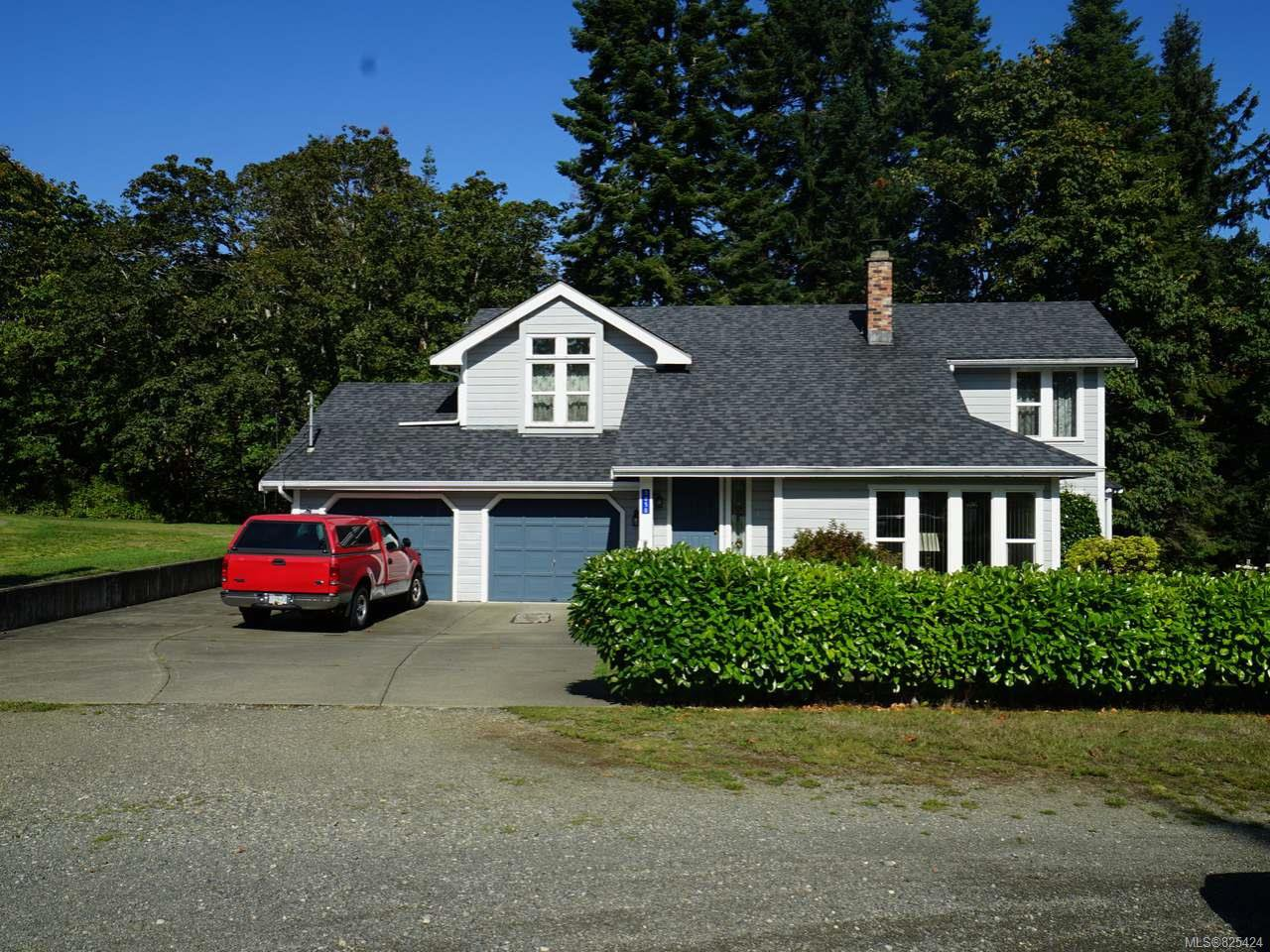 Main Photo: 3850 Laurel Dr in ROYSTON: CV Courtenay South House for sale (Comox Valley)  : MLS®# 825424