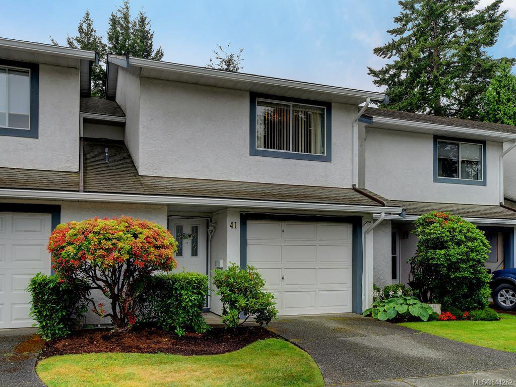 Main Photo: 41 2147 Sooke Rd in Colwood: Co Wishart North Row/Townhouse for sale : MLS®# 844282