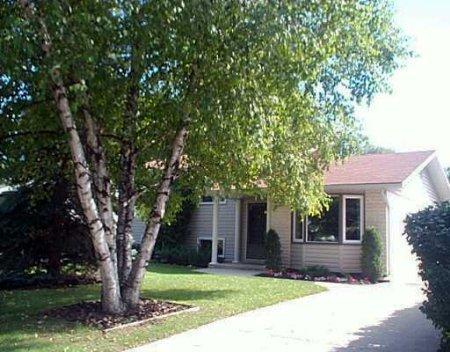 Main Photo: 22 Oakridge Bay: Residential for sale (South St. Vital)