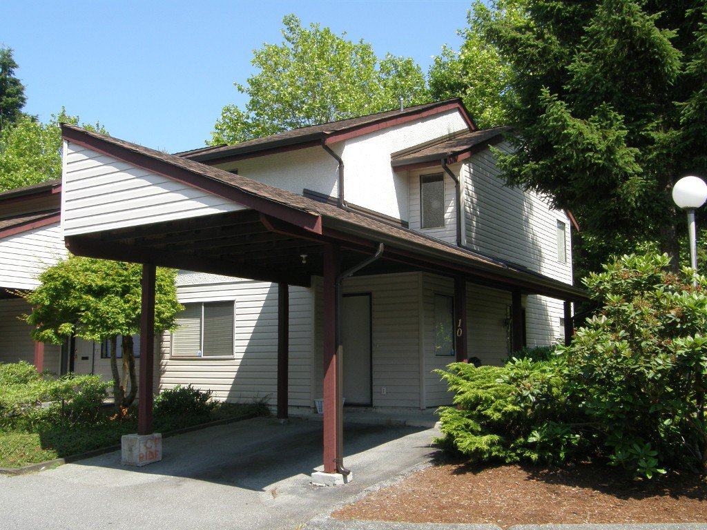 Main Photo: 10 13990 74 Avenue in Surrey: Townhouse