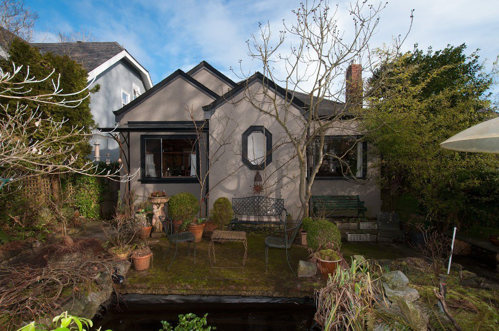 Main Photo: 4089 W 15TH AV in Vancouver: Point Grey House for sale (Vancouver West)  : MLS®# V1052117