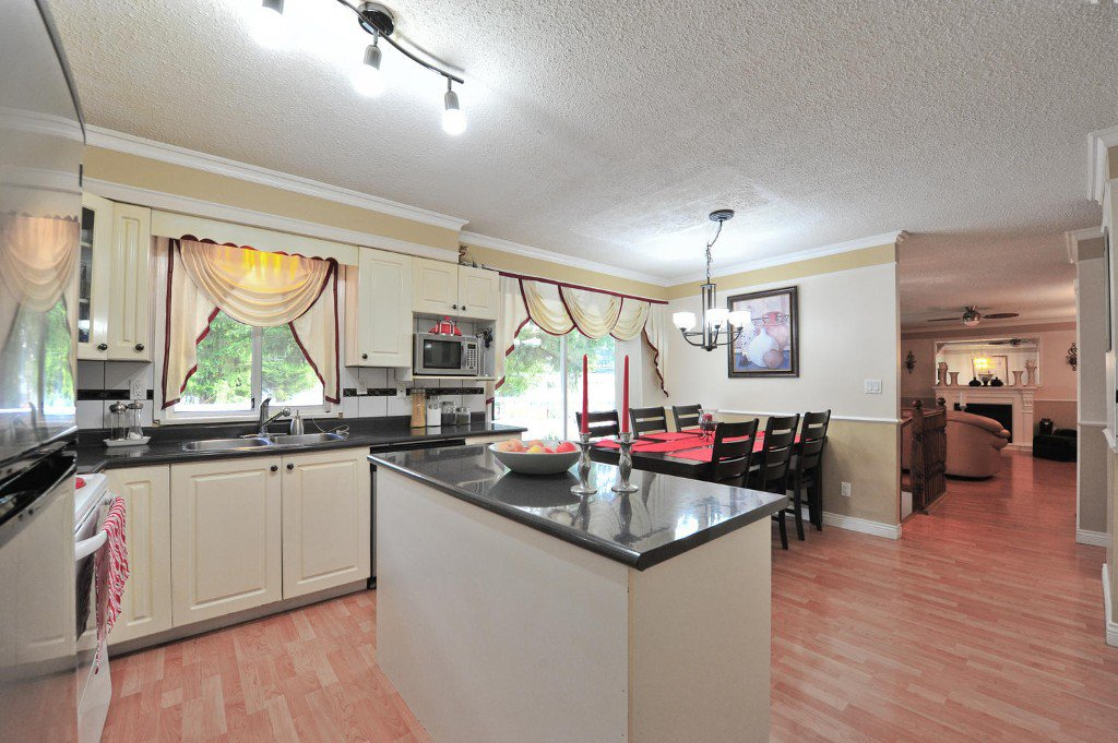 """Photo 6: Photos: 7633 119A Street in Delta: Scottsdale House for sale in """"SCOTTSDALE"""" (N. Delta)  : MLS®# F1424795"""