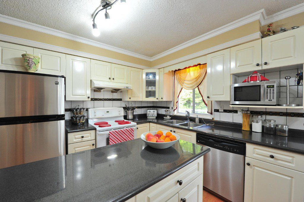 """Photo 7: Photos: 7633 119A Street in Delta: Scottsdale House for sale in """"SCOTTSDALE"""" (N. Delta)  : MLS®# F1424795"""