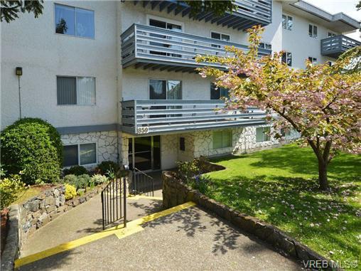 Main Photo: 206 859 Carrie St in VICTORIA: Es Old Esquimalt Condo for sale (Esquimalt)  : MLS®# 699359