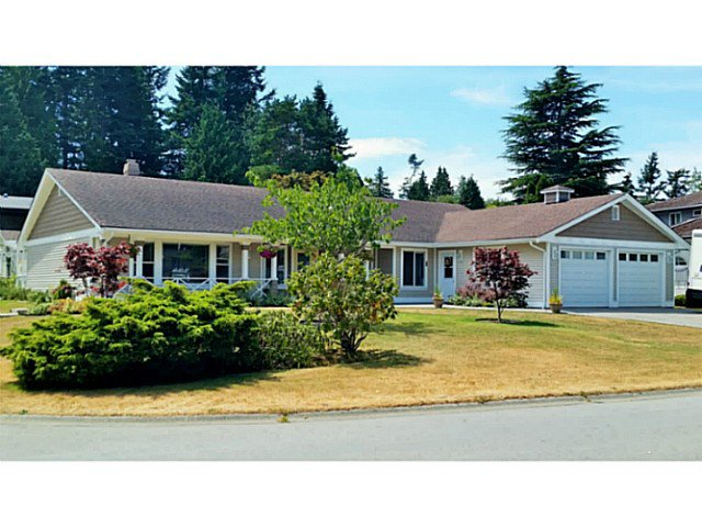 "Main Photo: 451 MILSOM Wynd in Tsawwassen: Pebble Hill House for sale in ""PEBBLE HILL"" : MLS®# V1136099"