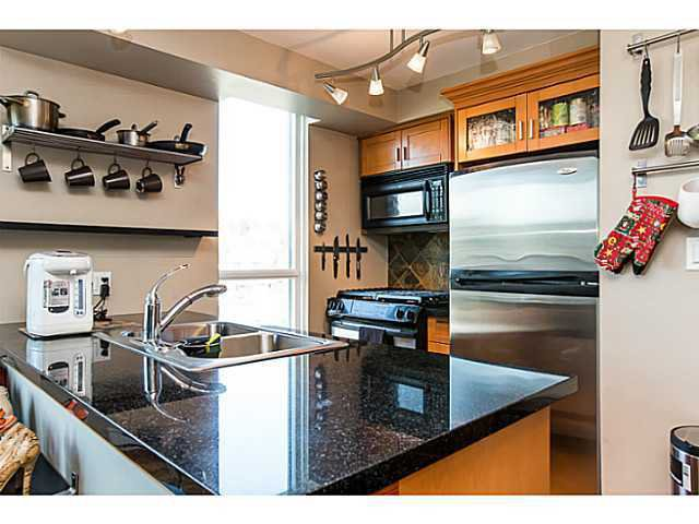 """Photo 5: Photos: 320 10 RENAISSANCE Square in New Westminster: Quay Condo for sale in """"MURANO"""" : MLS®# V1139711"""