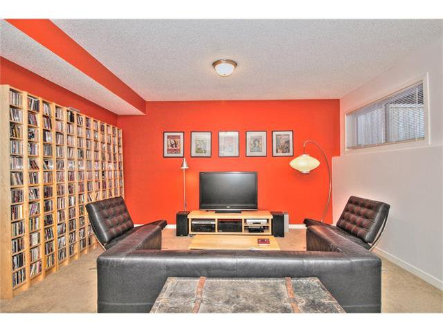 Photo 18: Photos: 670 EVERMEADOW Road SW in Calgary: Evergreen House for sale : MLS®# C4041129
