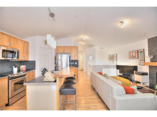 Photo 7: Photos: 670 EVERMEADOW Road SW in Calgary: Evergreen House for sale : MLS®# C4041129