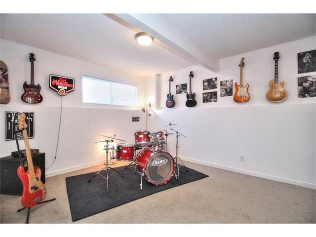 Photo 17: Photos: 670 EVERMEADOW Road SW in Calgary: Evergreen House for sale : MLS®# C4041129