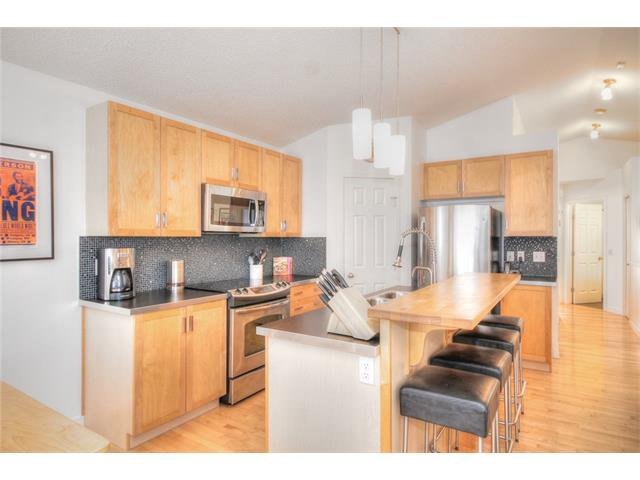 Photo 9: Photos: 670 EVERMEADOW Road SW in Calgary: Evergreen House for sale : MLS®# C4041129