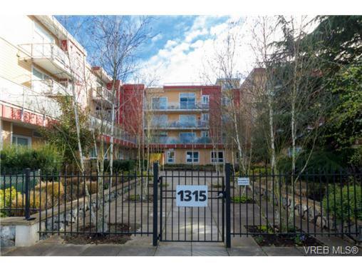 Main Photo: 312 1315 Esquimalt Rd in VICTORIA: Es Saxe Point Condo Apartment for sale (Esquimalt)  : MLS®# 725775