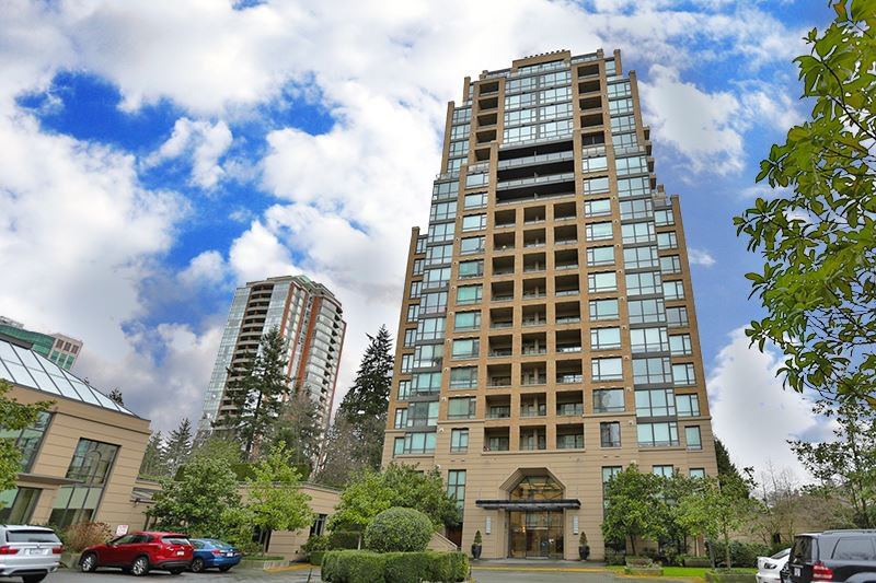 "Main Photo: 308 7388 SANDBORNE Avenue in Burnaby: South Slope Condo for sale in ""MAYFAIR PLACE"" (Burnaby South)  : MLS®# R2061635"