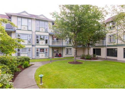 Main Photo: 205 400 Dupplin Rd in VICTORIA: SW Rudd Park Condo Apartment for sale (Saanich West)  : MLS®# 734375
