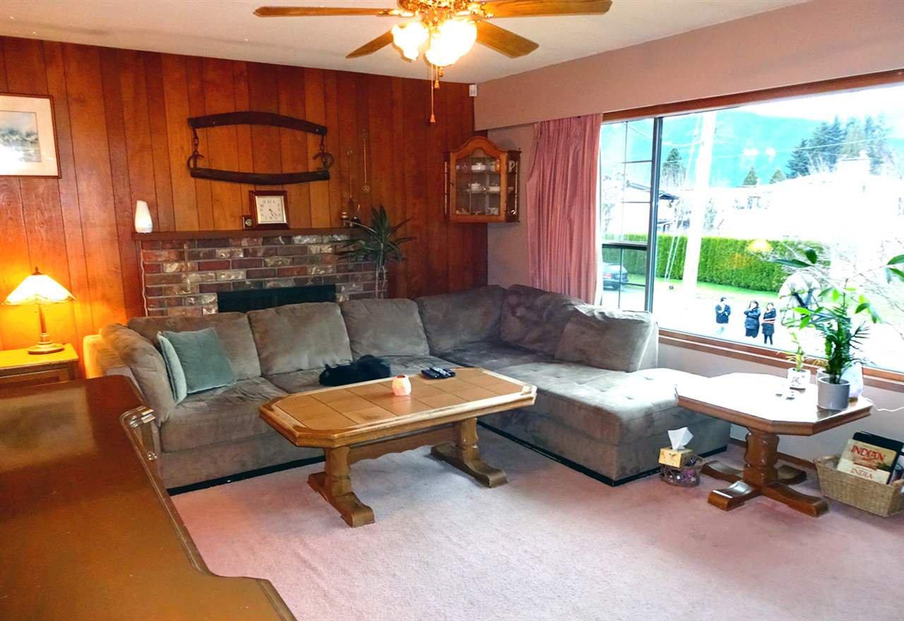 Photo 4: Photos: 46560 ELLIOTT Avenue in Chilliwack: Fairfield Island House for sale : MLS®# R2147847