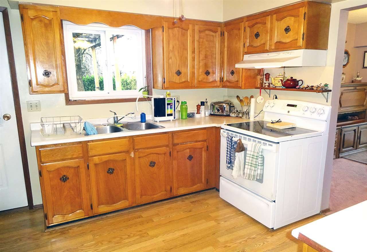 Photo 3: Photos: 46560 ELLIOTT Avenue in Chilliwack: Fairfield Island House for sale : MLS®# R2147847