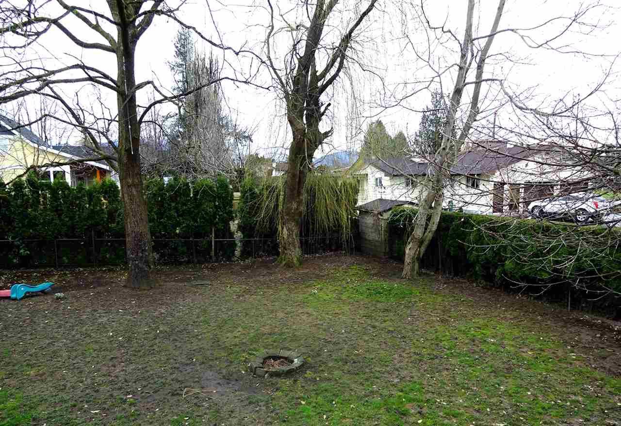 Photo 9: Photos: 46560 ELLIOTT Avenue in Chilliwack: Fairfield Island House for sale : MLS®# R2147847
