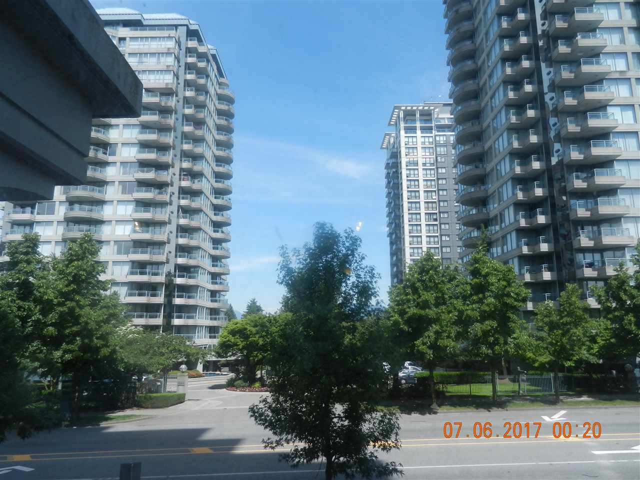 "Main Photo: 201 13380 108 Avenue in Surrey: Whalley Condo for sale in ""CITY POINT 2"" (North Surrey)  : MLS®# R2175625"
