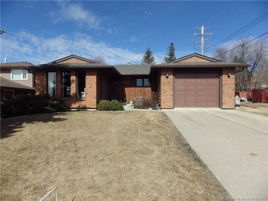 Main Photo: 4634 Park Avenue in Rimbey: RY Rimbey Residential for sale (Ponoka County)  : MLS®# CA0124075