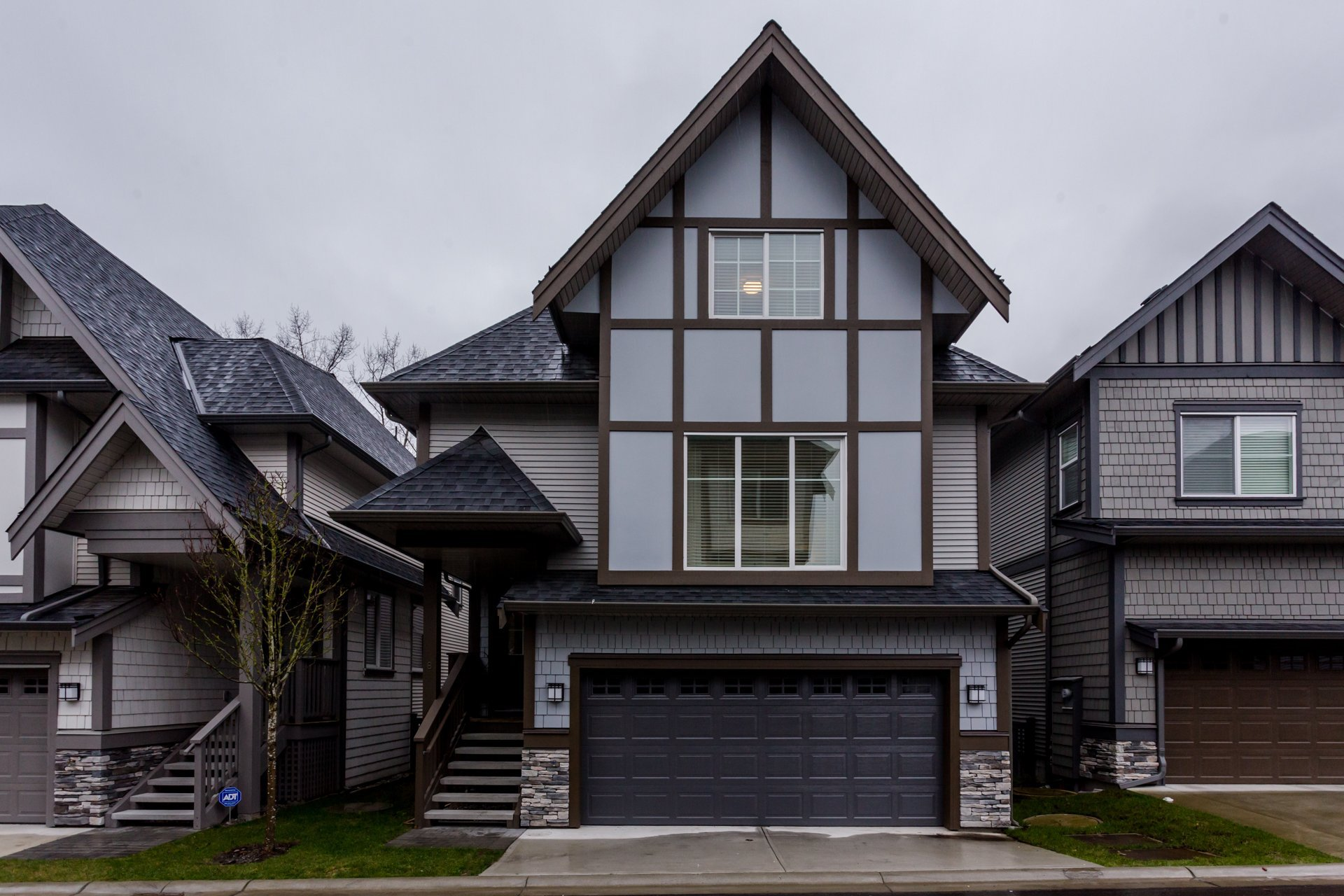 """Photo 3: Photos: 8 8217 204B Street in Langley: Willoughby Heights Townhouse for sale in """"EVERLY GREEN"""" : MLS®# R2236678"""