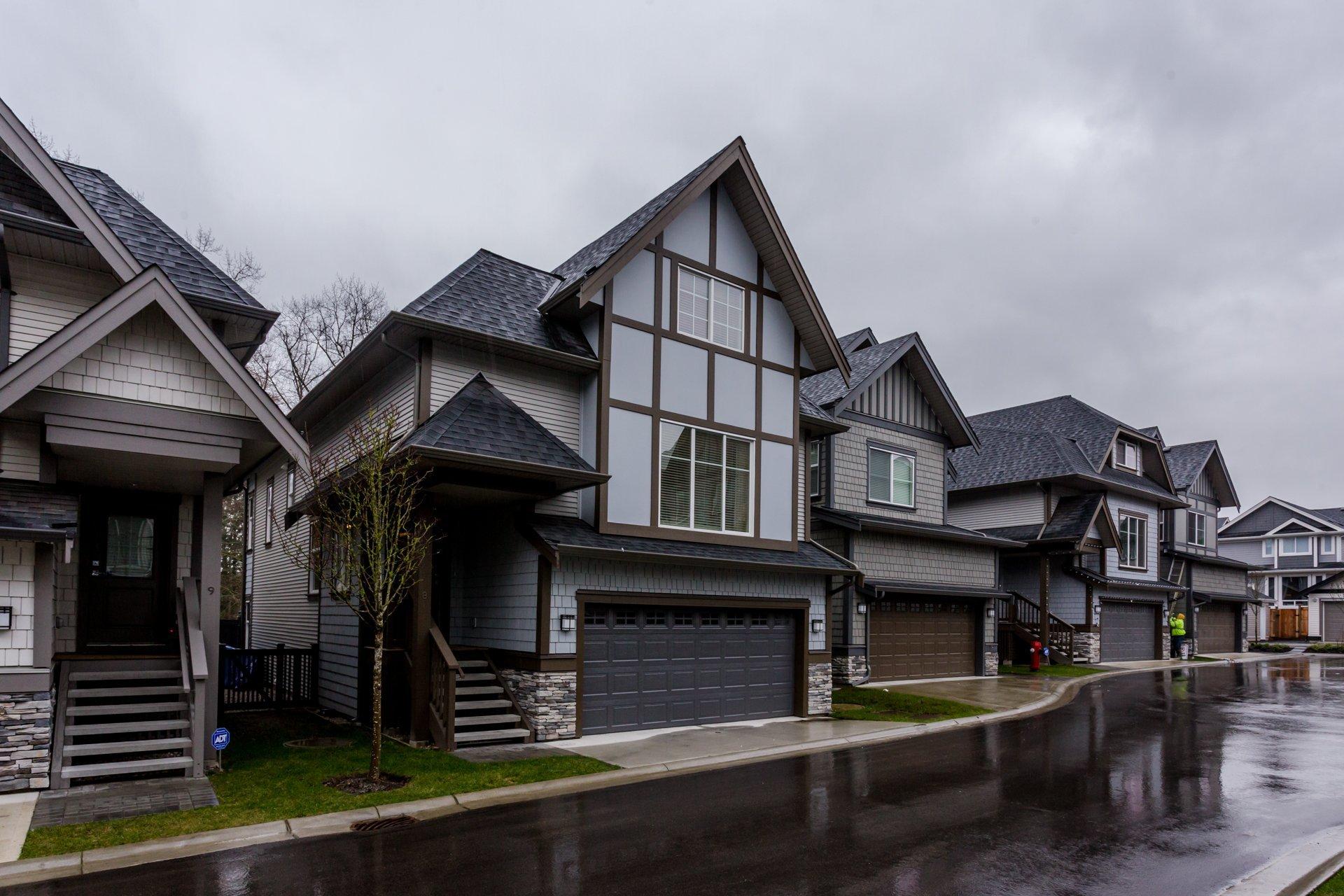 """Photo 2: Photos: 8 8217 204B Street in Langley: Willoughby Heights Townhouse for sale in """"EVERLY GREEN"""" : MLS®# R2236678"""