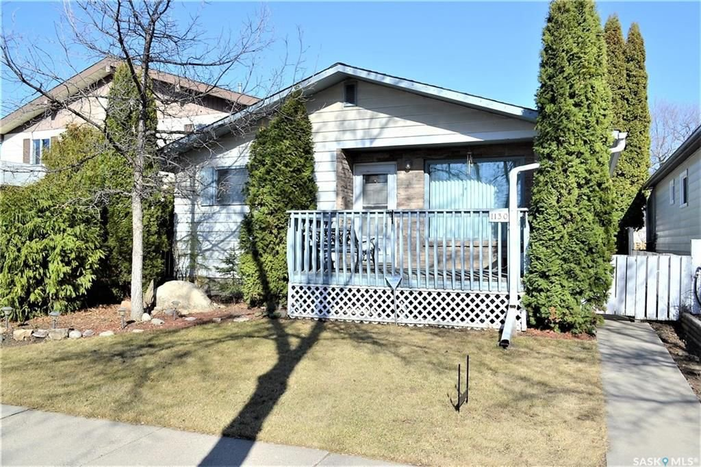 Main Photo: 1130 I Avenue North in Saskatoon: Hudson Bay Park Residential for sale : MLS®# SK727042